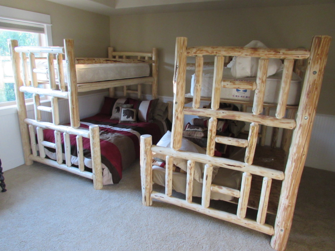 Pine Twin/Full Bunk Beds