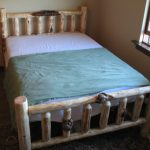 Pine Bed w/ Character with Burls